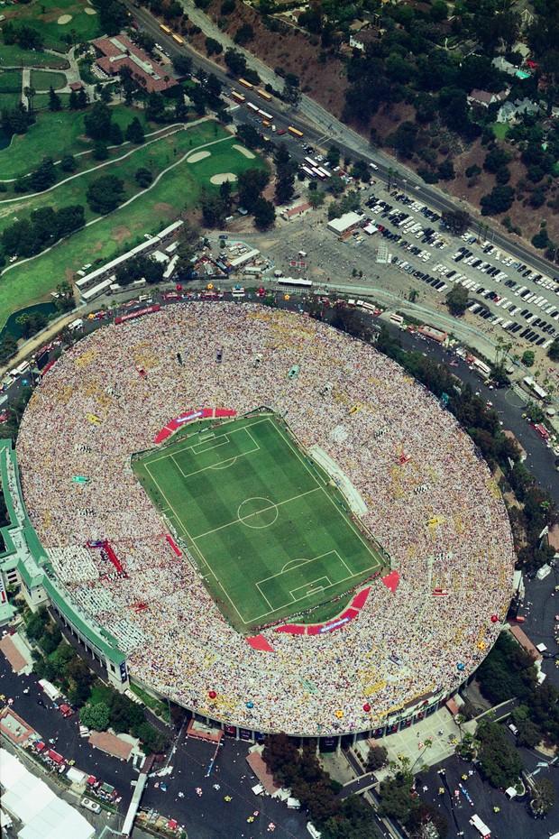 Estádios Históricos da Copa  Rose Bowl 0aa82e80d2c38
