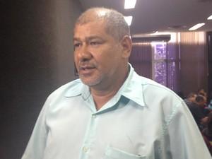 Irmão da vítima, Miguel Brito (Foto: Cassio Albuquerque/G1)