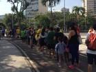 Público enfrenta filas longas para entrar no Maracanãzinho nesta terça