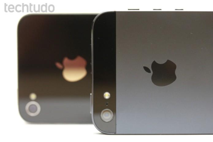 No lugar do vidro, o iPhone 5 agora vem com uma traseira metálica (Foto: Allan Melo / TechTudo)