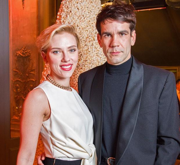 O casal Scarlett Johansson e Romain Dauriac (Foto: Pascal Le Segretain/Getty Images)