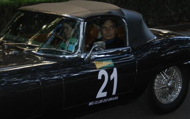 O tricampeão de Fórmula 1 Nelson Piquet em seu Jaguar nas Mil Milhas Históricas (Foto: Alexander Grünwald / GLOBOESPORTE.COM)
