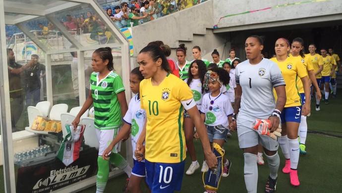 Marta Arena das Dunas Brasil x México Arena das Dunas (Foto: Cíntia Barlem/GloboEsporte.com)