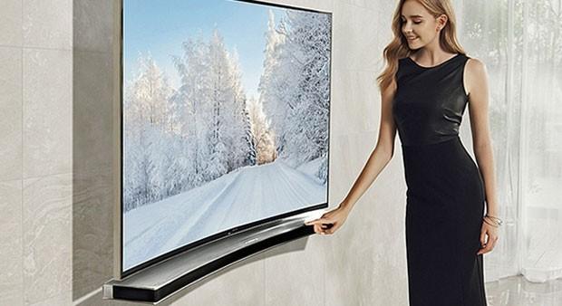 Samsung lança alto falante curvo para acompanhar TVs com tela curva (Foto: Divulgação/Samsung)