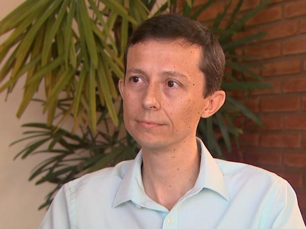 Promotor André Donizete Zanutim diz que prefeito tentou burlar sistema da Justiça Eleitoral (Foto: Maurício Glauco/EPTV)