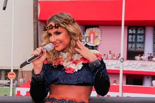 Claudia Leitte no trio no Carnaval de Salvador na Bahia (Foto: Robson Senne/AgNews)