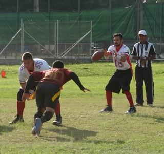Mogi Desbravadores venceram o quarto duelo no Paulista de flag (Foto: Gil Vilas)