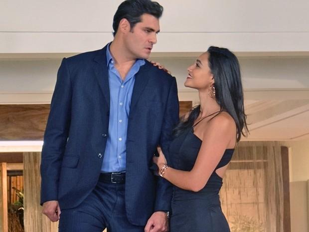 Marcos não esconde a raiva com o seu anúncio de noivado (Foto: Gabriela Duarte / Gshow)