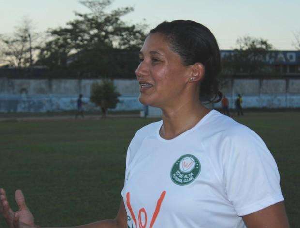 Márcia Bezerra é bandeirinha pela Confederação Brasileira de Futebol (CBF) (Foto: Larissa Vieira/GLOBOESPORTE.COM)