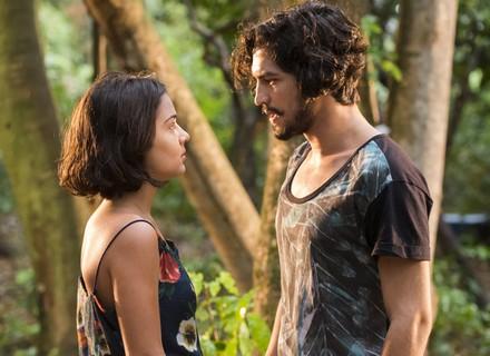 Miguel e Olívia decidem namorar em segredo