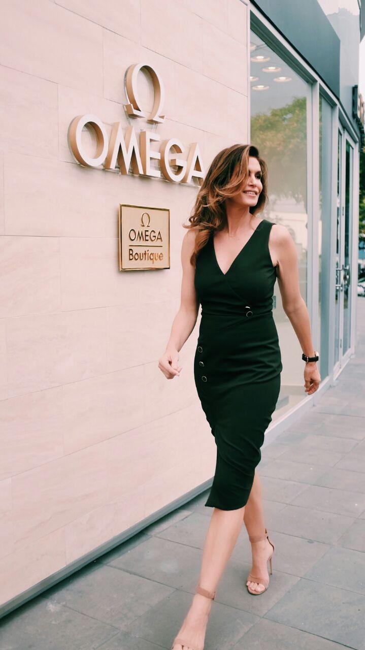 Cindy Crawfod na inauguração da loja da Omega em Lima (Foto: Divulgação)