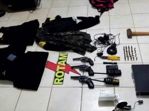 Revólveres e coletes a prova de balas foram recuperados pela polícia, amapá, macapá, revólveres, balas, polícia, bope, (Foto: Reprodução/Rede Amazônica)