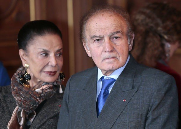O advogado e escritor americano Samuel Pisar ao lado de sua mulher, Judith, em foto de outubro de 2012 (Foto: Jacques Demarthon/AFP)