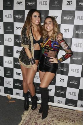 Alinne Rosa e Wanessa em show em Salvador, na Bahia (Foto: Fred Pontes/ Divulgação)