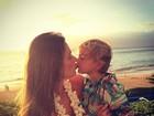 Alessandra Ambrósio posta foto fofa com o filho caçula