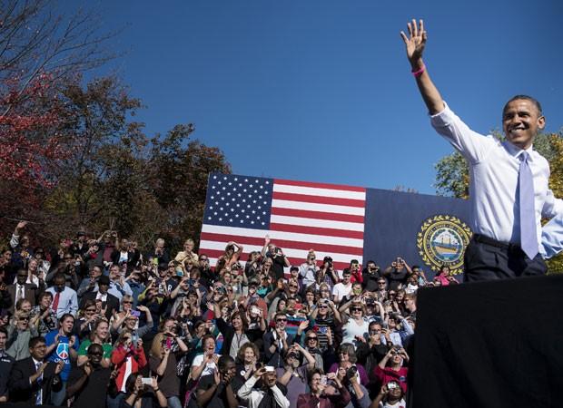 Obama fala a eleitores em New Hampshire nesta quinta-feira (18) (Foto: Brendan Smialowski/AFP)