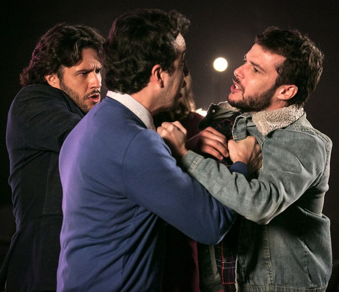 Enéas e Giovanni se enfrentam! (Foto: Isabella Pinheiro/Gshow)