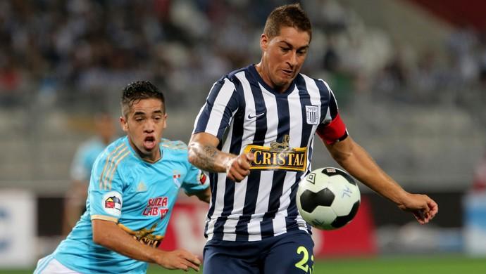 Walter Ibanez e Maximiliano Nunez, Alianza Lima x Sporting Cristal (Foto: Getty Images)