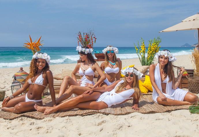 Coleguinhas do 'Caldeirão' 'divam' na praia e contam tentações nas ceias do fim de ano (Foto: Artur Meninea / Gshow)
