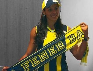 Paula Pequeno vôlei Fenerbahçe (Foto: Divulgação)