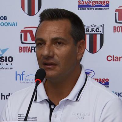 Doriva, técnico do Botafogo-SP (Foto: Antônio Luís / EPTV)