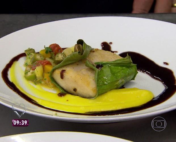 Chef Pierre Petit preparou pirarucu para Antonio Banderas (Foto: TV Globo)
