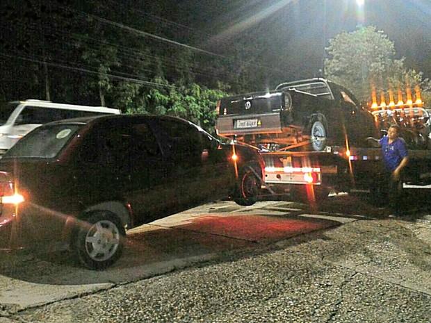 Veículos apreendidos durante a operação (Foto: Polícia Militar/Divulgação)