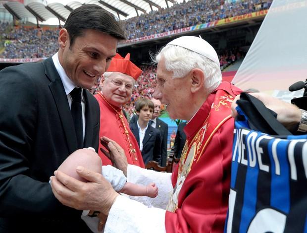 Zanetti Papa Milan (Foto: Reuters)