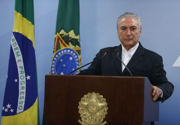 Condutas de Temer dão margem para pedido de impeachment, diz OAB