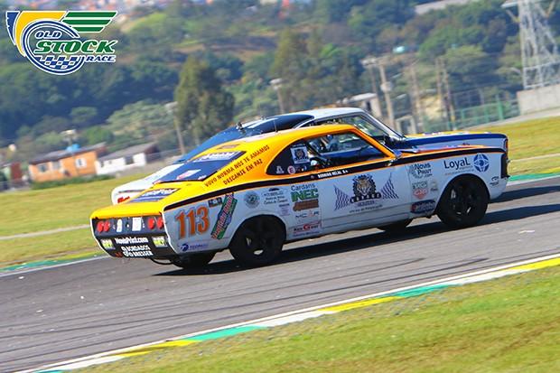 Rodrigo Helal #113 na disputa com Mario Broering #01 (Foto: Humberto Silva/OSR)
