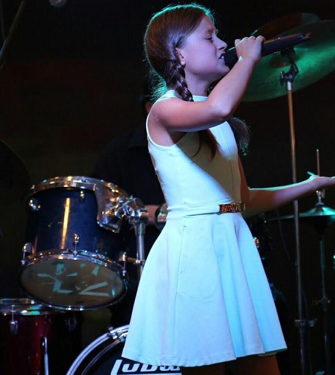 Rafa cantou para vários fãs, em Niterói (Foto: Arquivo pessoal)