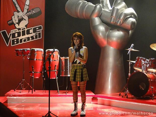 Giovana solta a voz para os jurados do The Voice Brasil (Foto: Malhação / TV Globo)