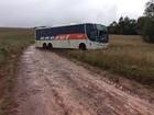 Grupo assalta e fica três horas com passageiros dentro de ônibus no RS