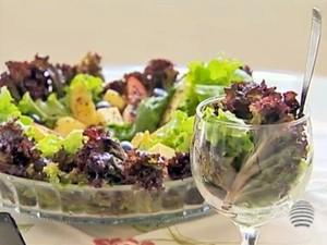 Salada tradicional ganha novo sabor com a presença do legume cozido