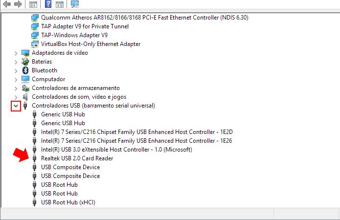 Localize o leitor de cartão entre os controladores USB (Foto: Reprodução/Paulo Alves)