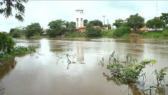 Resultado de imagem para Nível do Rio Mearim sobe com chegada das chuvas no MA
