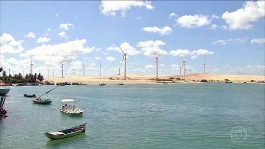 Trairi (CE) tem piscinas naturais, dunas e passeios de barco