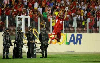 Hiago marca, é expulso, mas Sergipe vence Itabaiana no jogo de ida da final