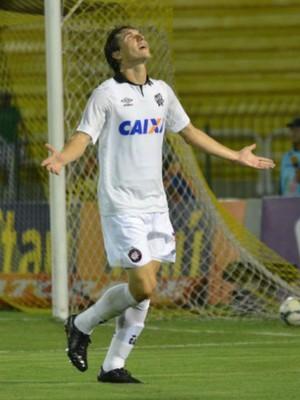 Cléo Atlético-PR Botafogo (Foto: Gustavo Oliveira/ Site oficial Atlético-PR)