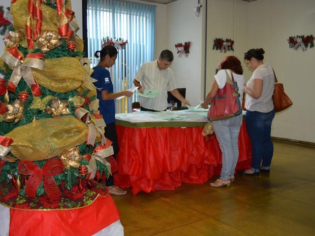 Cartas podem ser escolhidas na agência dos Correios em Porto Velho, da avenida Presidente Dutra, centro (Foto: Mary Porfiro/G1)