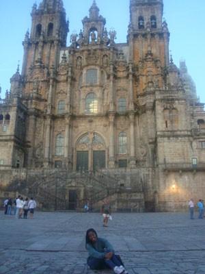A estudante na Catedral Almudena, em Madri  (Foto: Arquivo pessoal)