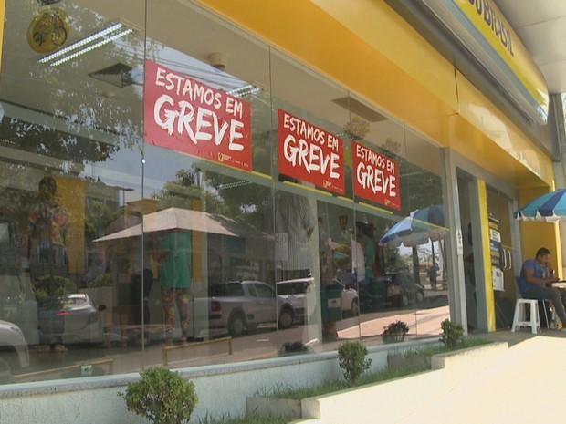Cerca de 50% das agências do Acre aderiram a greve dos bancários (Foto: Reprodução/Rede Amazônica Acre)