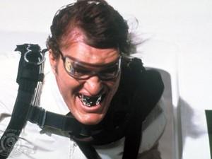 Richard Kiel como Jaws em '007 contra o foguete da morte' (1979) (Foto: Divulgação/MGM)