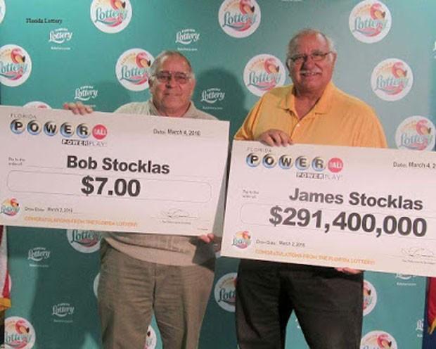 James Stocklas e seu irmão, Bob, ganharam no mesmo sorteio de loteria (Foto: Reprodução/Powerball)