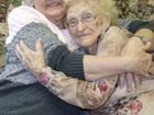 Mãe e filha se reencontram após 82 anos nos EUA