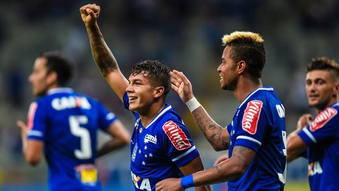 3b7148ab07 Líder mais forte  Cruzeiro de Deivid mostra visível evolução em vitória