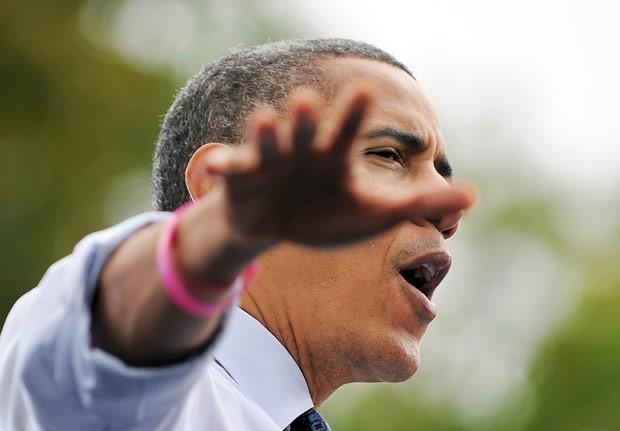 O presidente dos EUA, Barack Obama, discursa nesta sexta-feira (19) em Fairfax, na Virgínia (Foto: AFP)