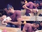 Malvino Salvador se diverte com a filha e compartilha momento na web