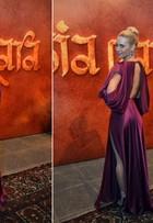Carolina Dieckmann vai à festa de 'Joia rara' com vestido feito sob medida
