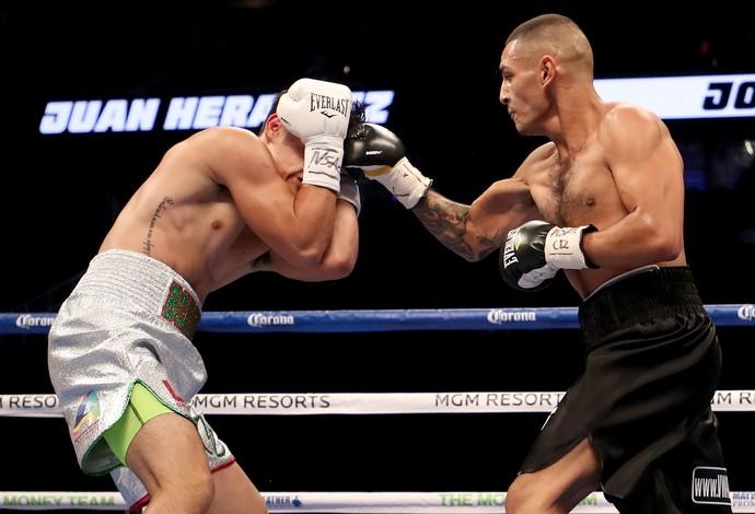 Juan Heraldez x Jose Miguel Borrego pelo peso-meio-médio - Las Vegas - card preliminar May-Mac (Foto: Getty Images)